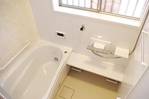 お風呂をひろく!浴室ミストつき快適バスタイム