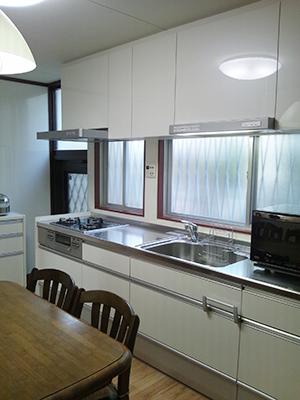 クリナップシステムキッチンと床暖房で快適キッチン空間