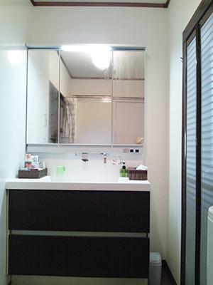 たくさん収納しても見た目すっきり洗面化粧台