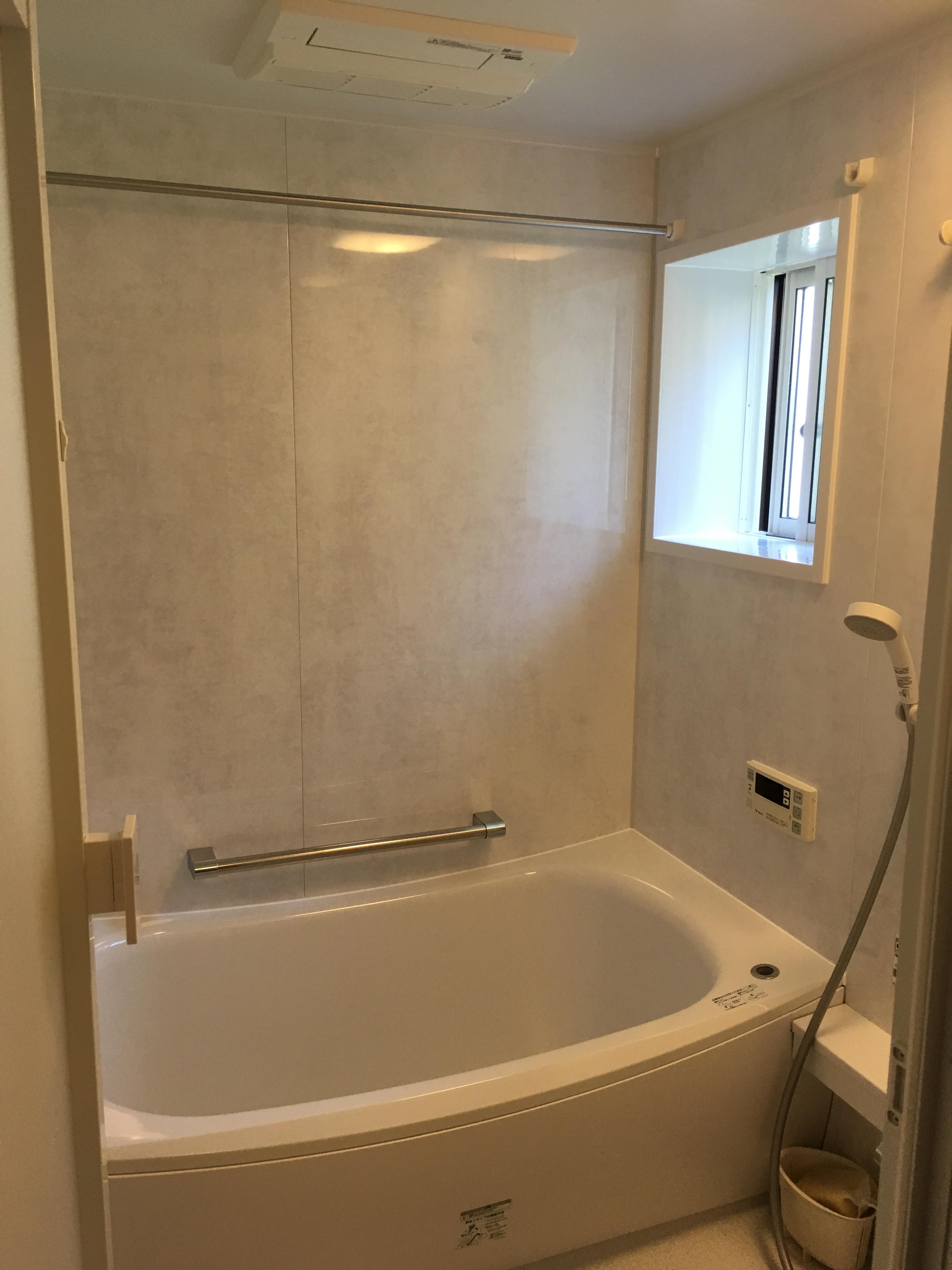窓も取替、あったか浴室リフォーム