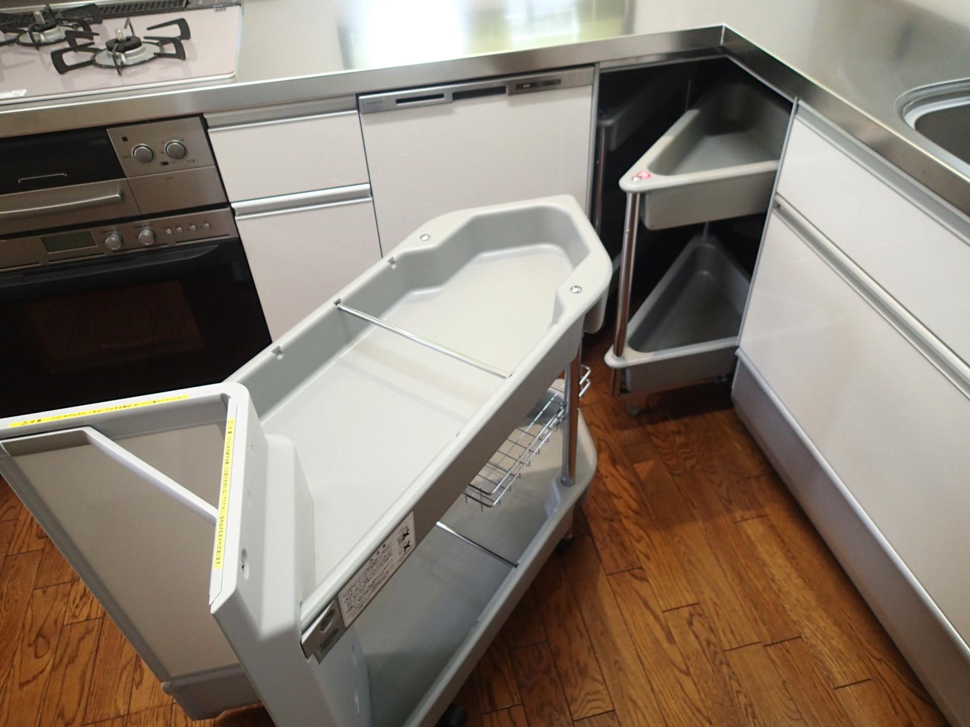 収納力抜群のコーナー収納。コーナー部分でも無駄なスペースなく活用できます。