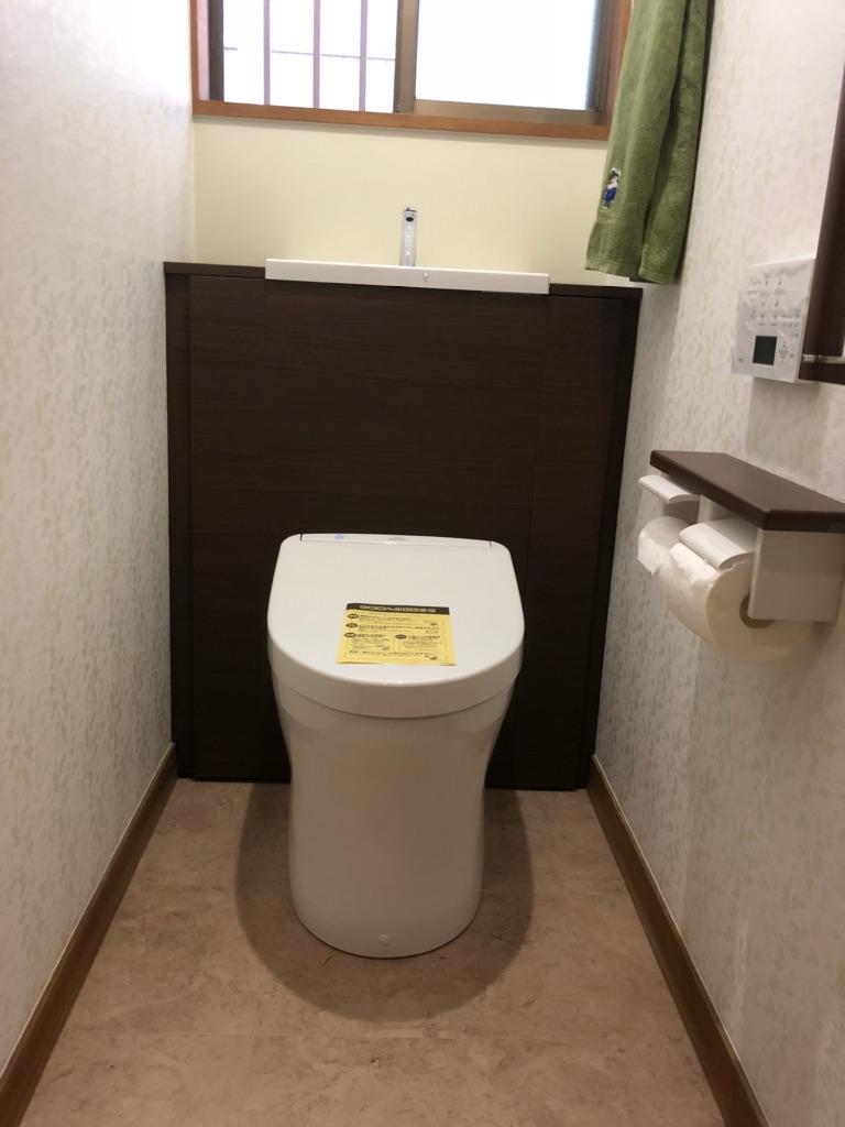 トイレ用品をスッキリ収納! キャビネット付トイレ