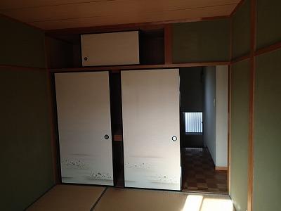 和天、押入れ、聚楽壁に畳の和室です