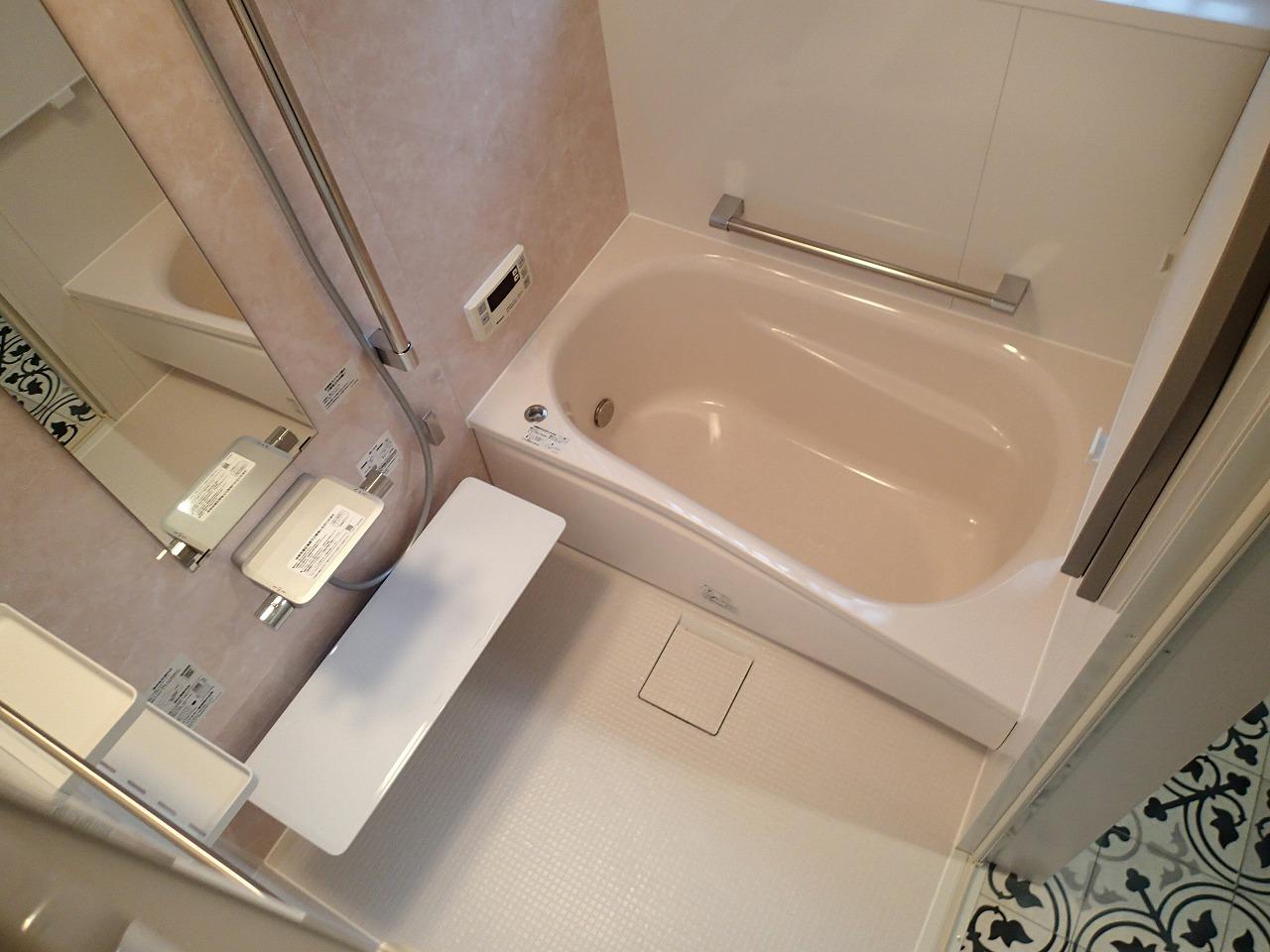 浴槽が一回り大きくなった浴室