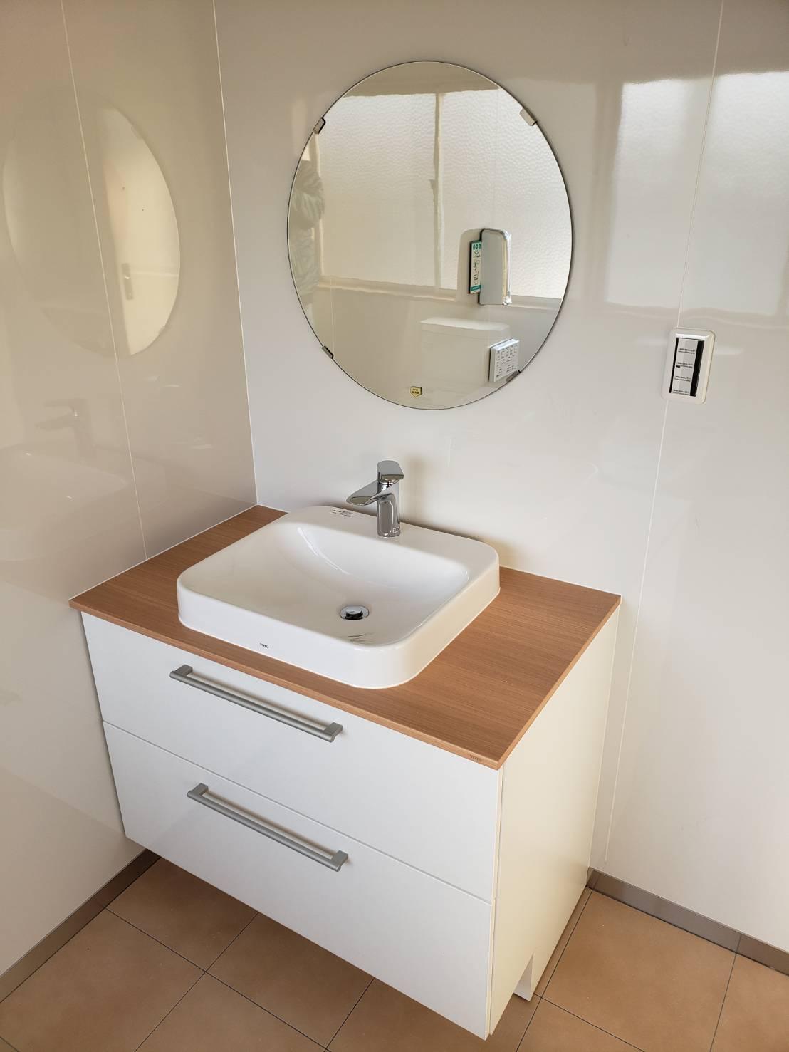 更衣室としても利用できるくらいの広々サニタリールーム